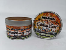 Laden Sie das Bild in den Galerie-Viewer, Autumn Court - Lemon, Apple, Cinnamon, Anise & Wood - Bookish Candle