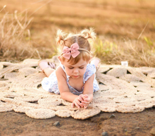 Load image into Gallery viewer, Peachy Linen - Small Sadie Bow