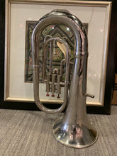 Load image into Gallery viewer, Vintage Trumpet