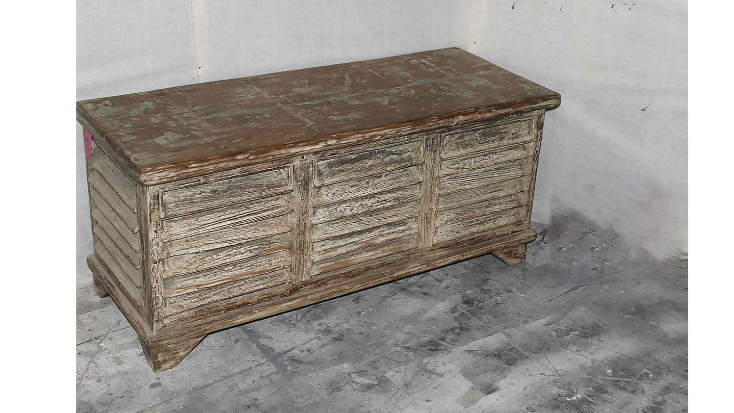Wooden Chippy Brown Trunk