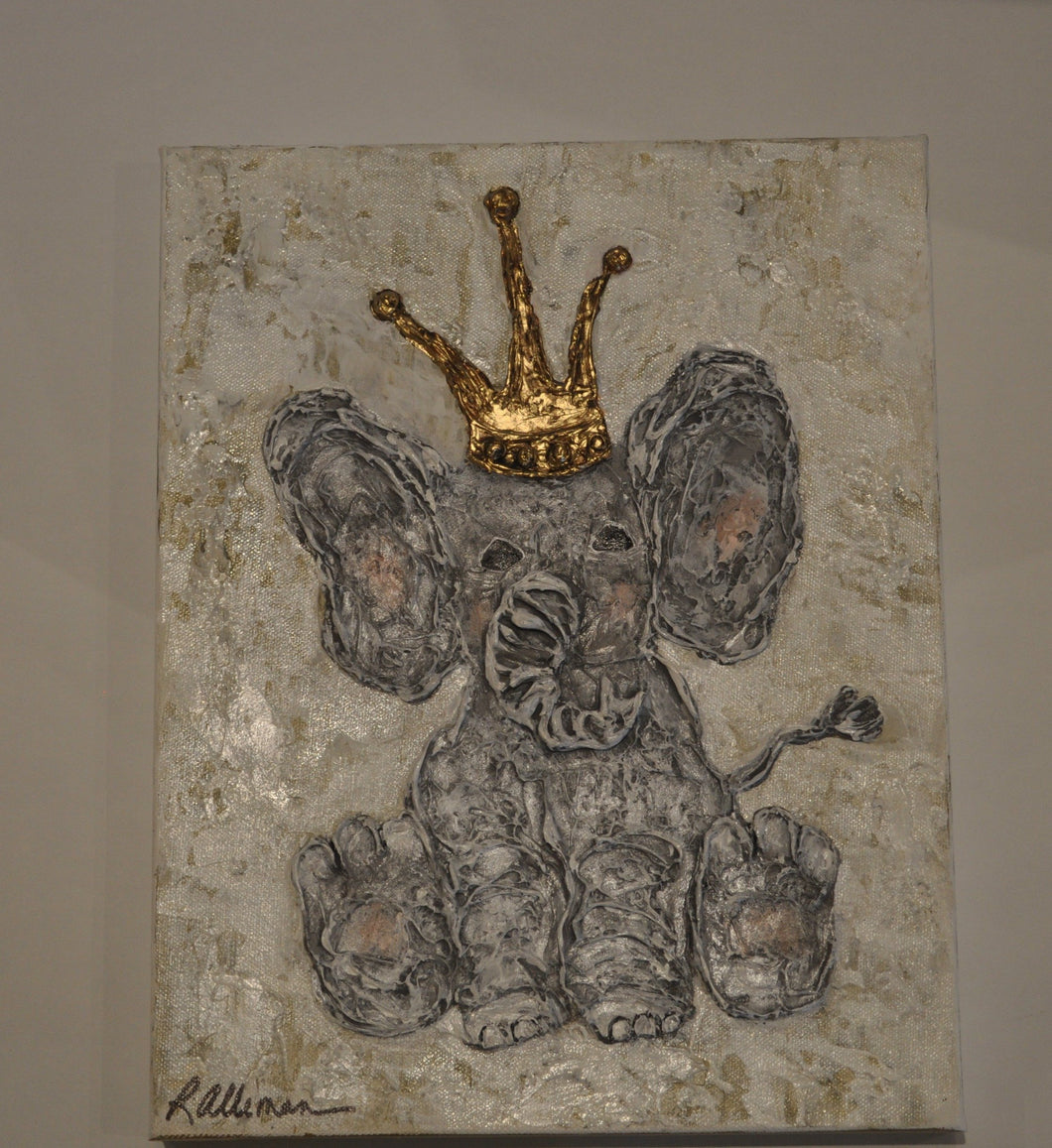 Elephant with crown                                                  #10594