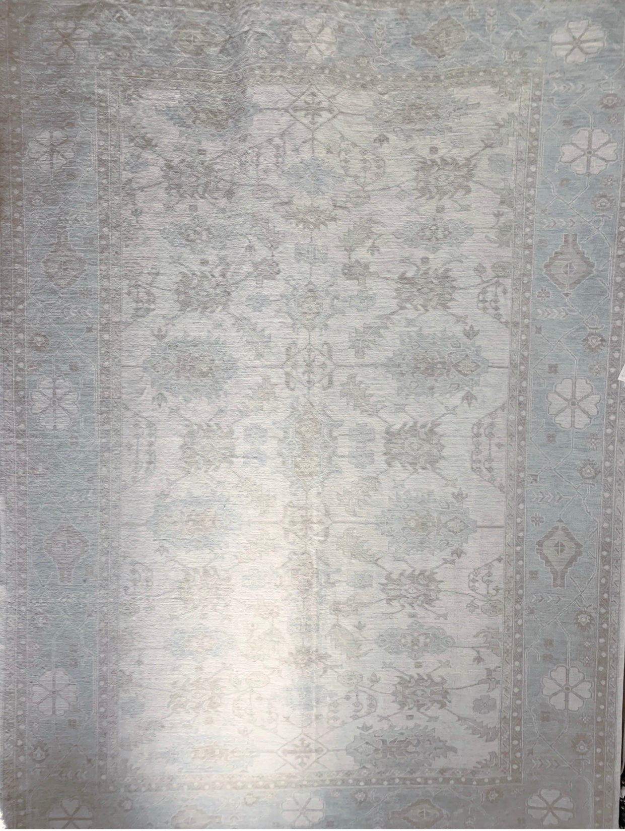 Hand knotted Natural Dyed Rug