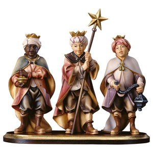 SH Three Carol Singers on pedestal
