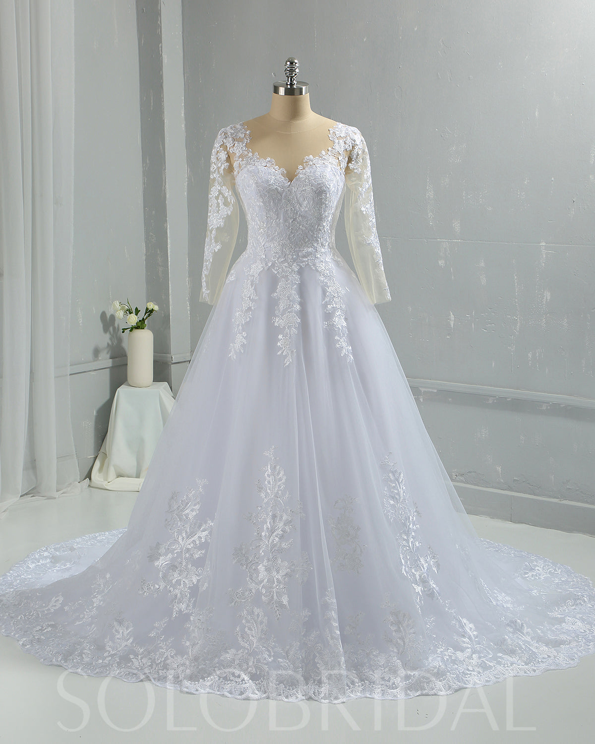 Sweetheart Cotton Lace Skin Color Bodice Long Sleeve Wedding Dress with Court Train