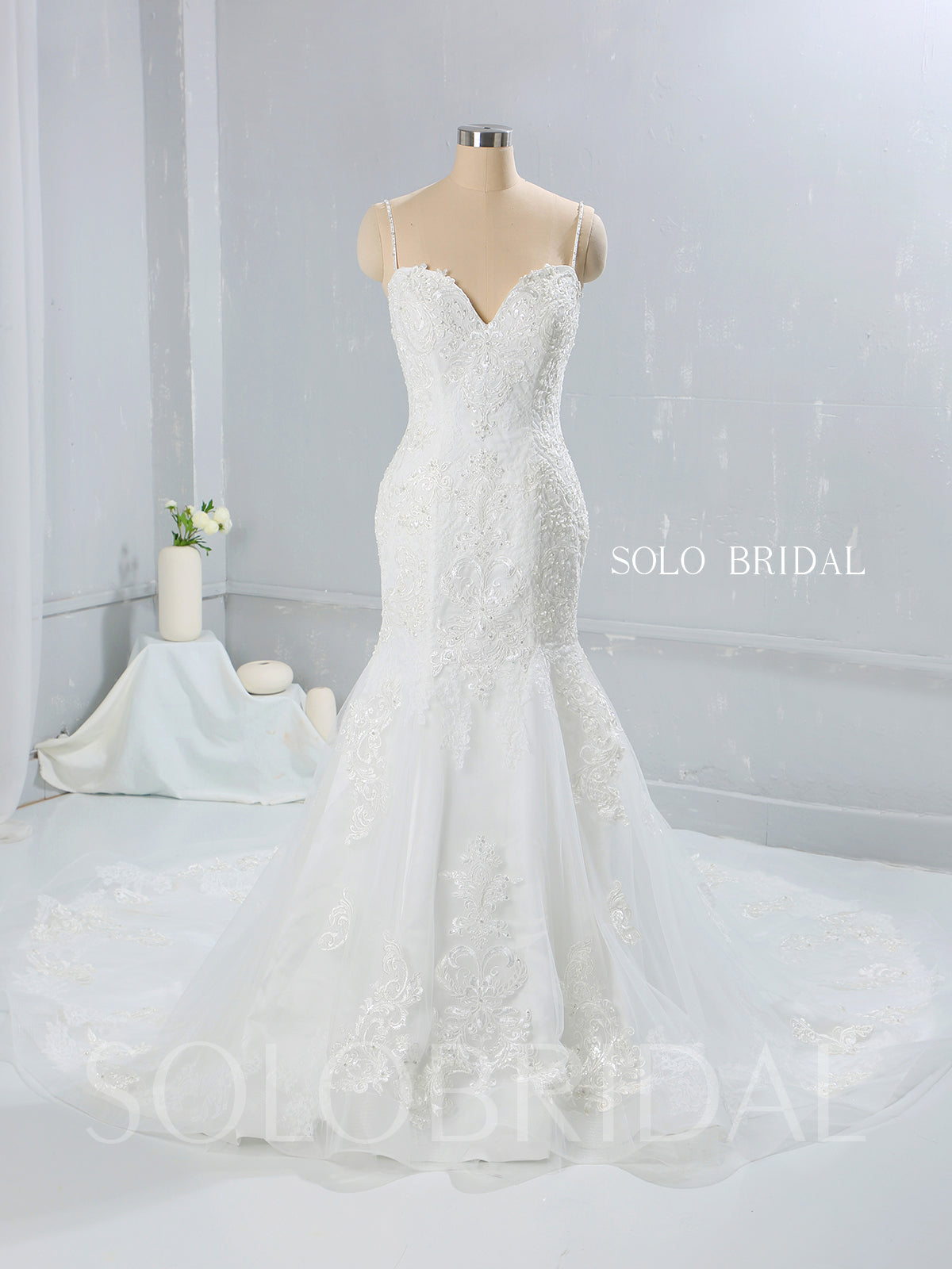 Light Ivory Sweatheart Mermaid Wedding Dress with Cathedral Train