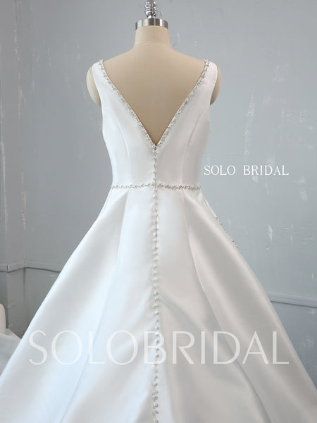 A Line Boat Neckline Ivory Silk Satin Diamonds Wedding Dress