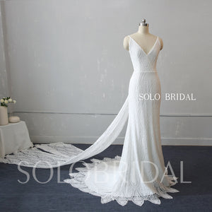 Ivory Scallop Lace Sheath Wedding Dress
