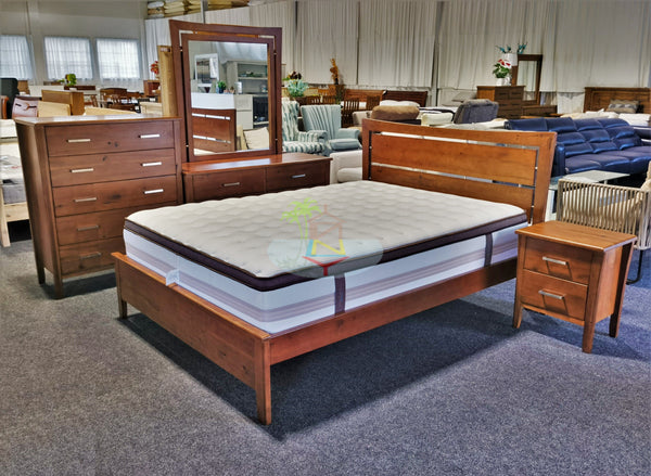 Montana# Red Oak Bedroom Suite | Queen