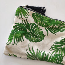 Load image into Gallery viewer, Cotton Zip Pouch - Leaf