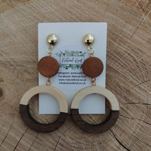 Load image into Gallery viewer, Wooden Round Earrings