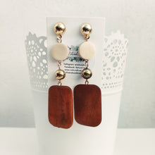 Load image into Gallery viewer, Brown Dangle Earrings