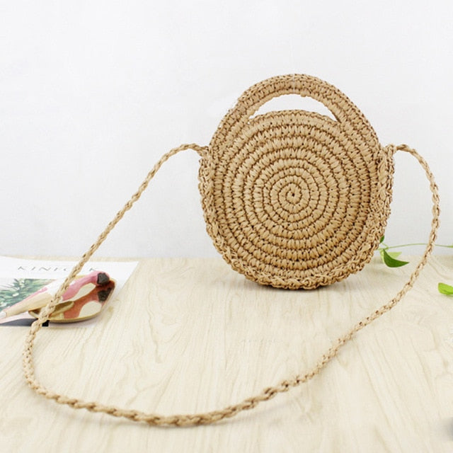 Circle straw bags with zipper in light brown