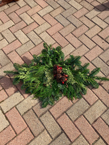 Mixed Evergreen Spray with Pine Cones