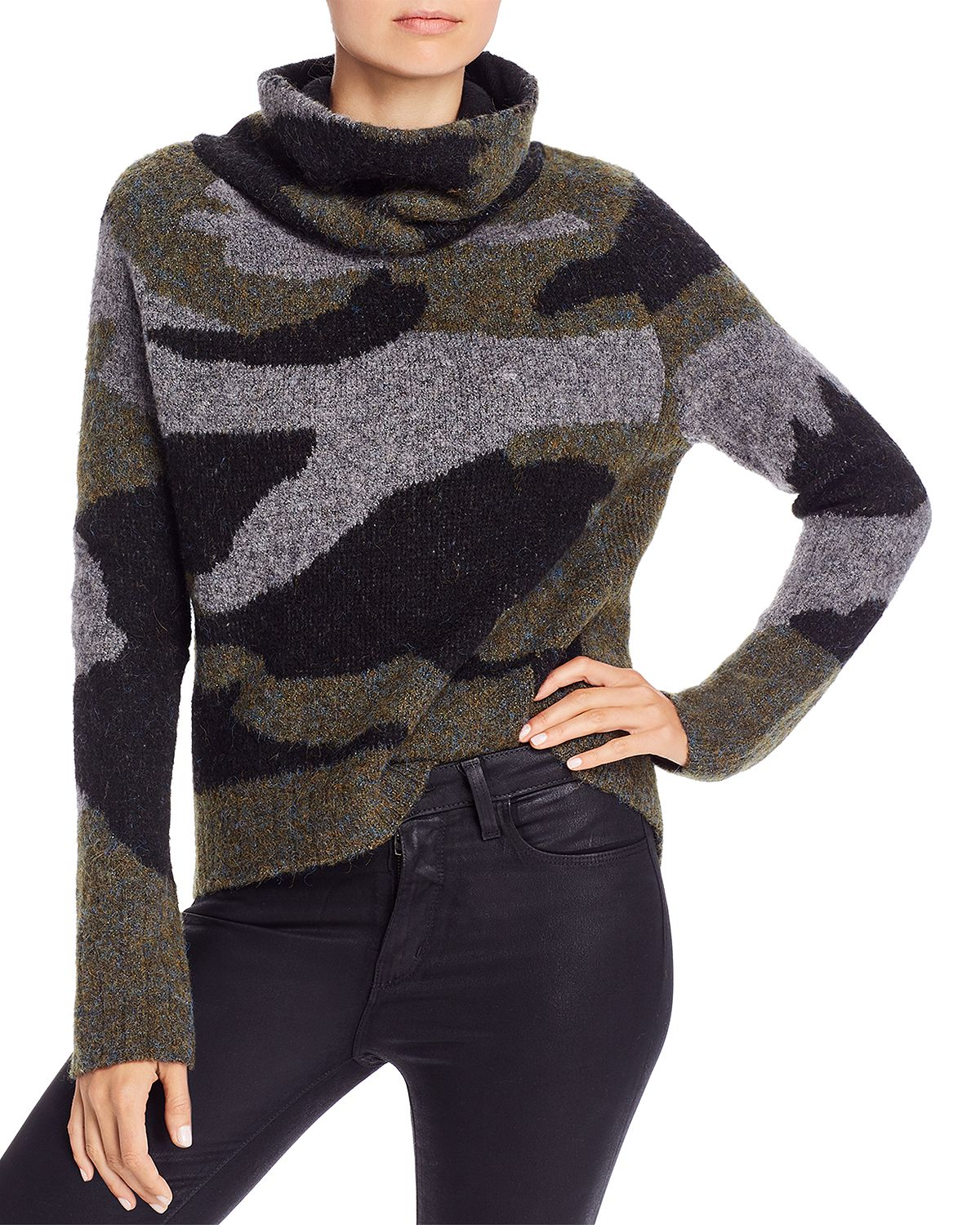 HighLow Camouflage Turtleneck Sweater in Camo