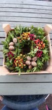 Load image into Gallery viewer, Fruit and Nut Christmas Live Wreath
