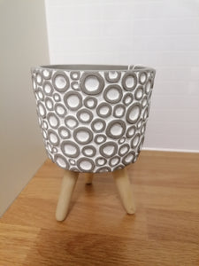 Grey tripod indoor plant pot - 12cm