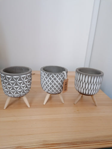 Mini Grey Tripod Plant Pot 6cm