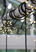 Load image into Gallery viewer, Lightstyle London solar starburst chain outdoor lights