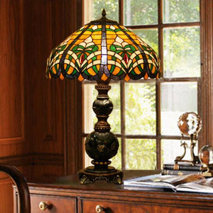 Tiffany Europaische retro style hand-painted stained glass table lamp