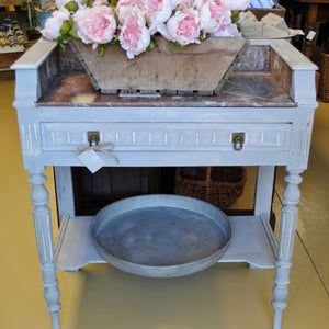 Painted Table de Toilette