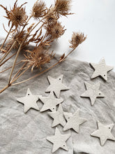 Load image into Gallery viewer, Oat star decorations- set of 3