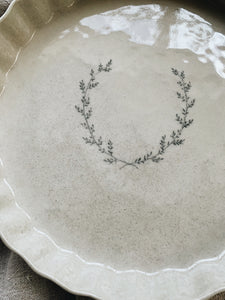 Oat Wreath Pie Dish