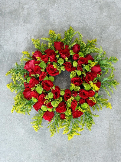 Classic Wreath Red & Green
