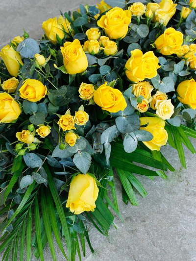 Classic Yellow Rose Sheaf
