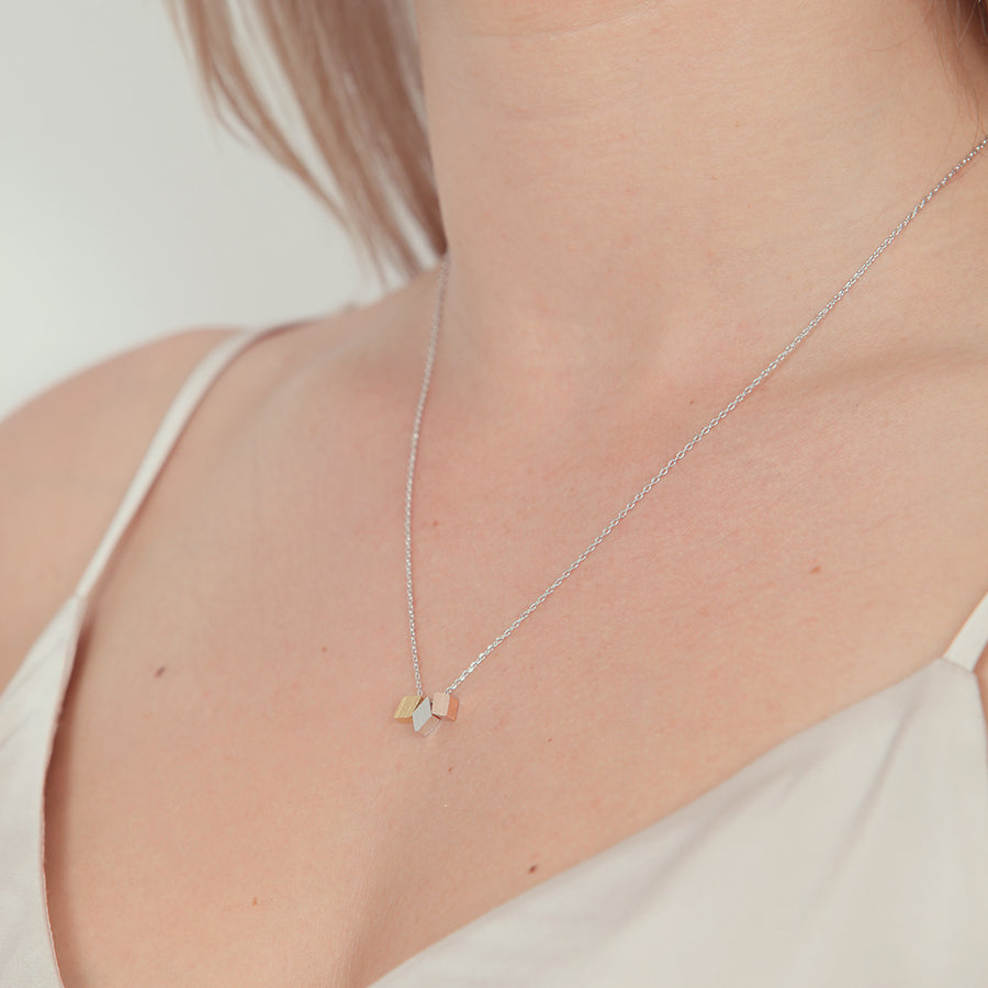prysm-necklace-bella-silver-montreal-canada