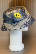Load image into Gallery viewer, XXXSCOFF Snake skin patten Smile Fire printing bucket hat-Multi