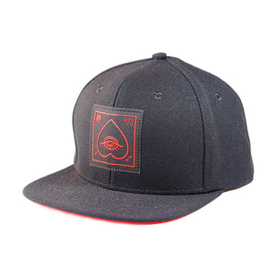 CAPS SNAPBACK BLACK HEART