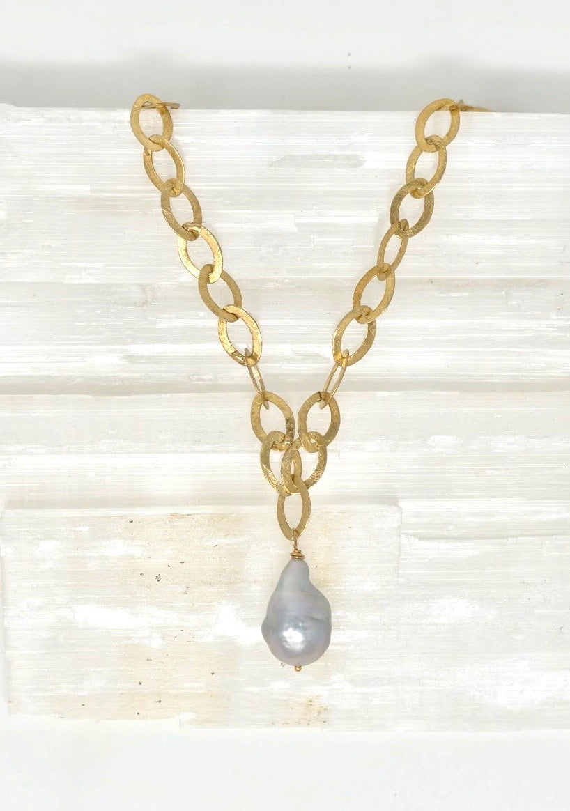 Baroque Pearl Teardrop Necklace