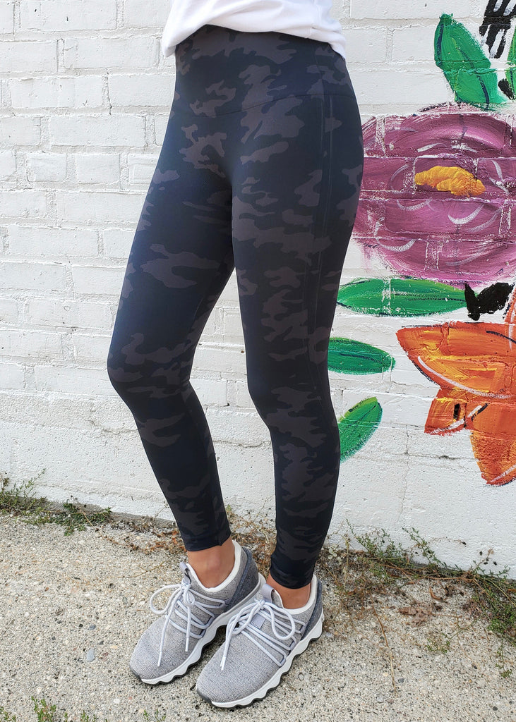 SPANX Look At Me Now Black Camo Leggings