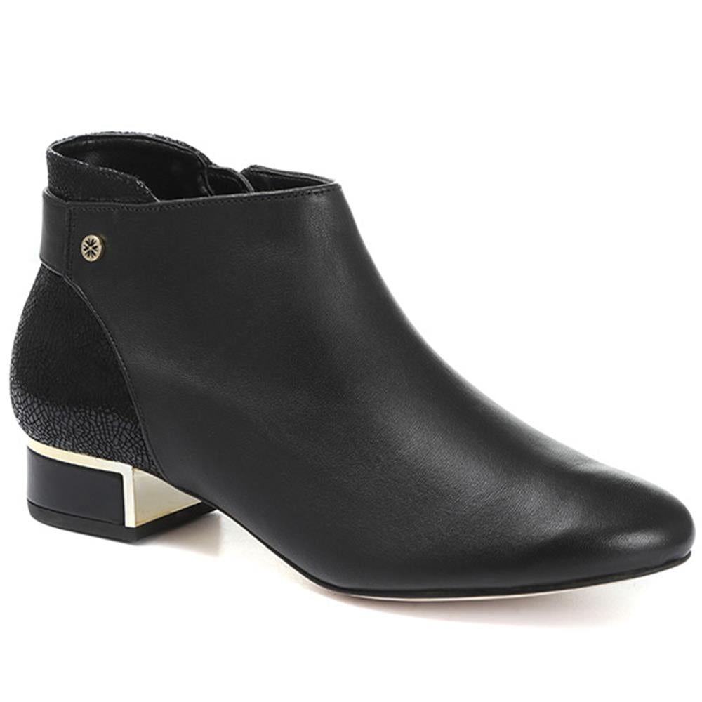 Leather Ankle Boot - VAN30502 / 316 519