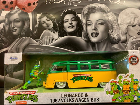 Leonardo & 1962 Volkswagen Bus 1/24th scale