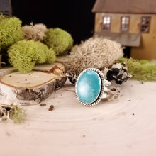 Load image into Gallery viewer, Turquoise Oval Decorative Ring