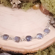 Load image into Gallery viewer, Labradorite Faceted Bracelet