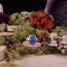 Load image into Gallery viewer, Tanzanite Oval Cabochon Ring