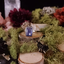 Load image into Gallery viewer, Tanzanite Square Cabochon Ring