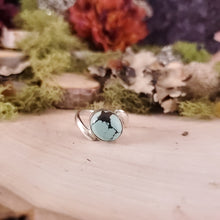 Load image into Gallery viewer, Tibetan Turquoise Oval Ring