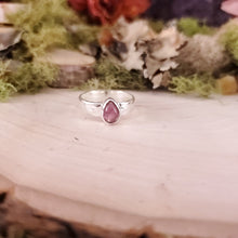 Load image into Gallery viewer, Teardrop Pink Tourmaline Hammered Ring
