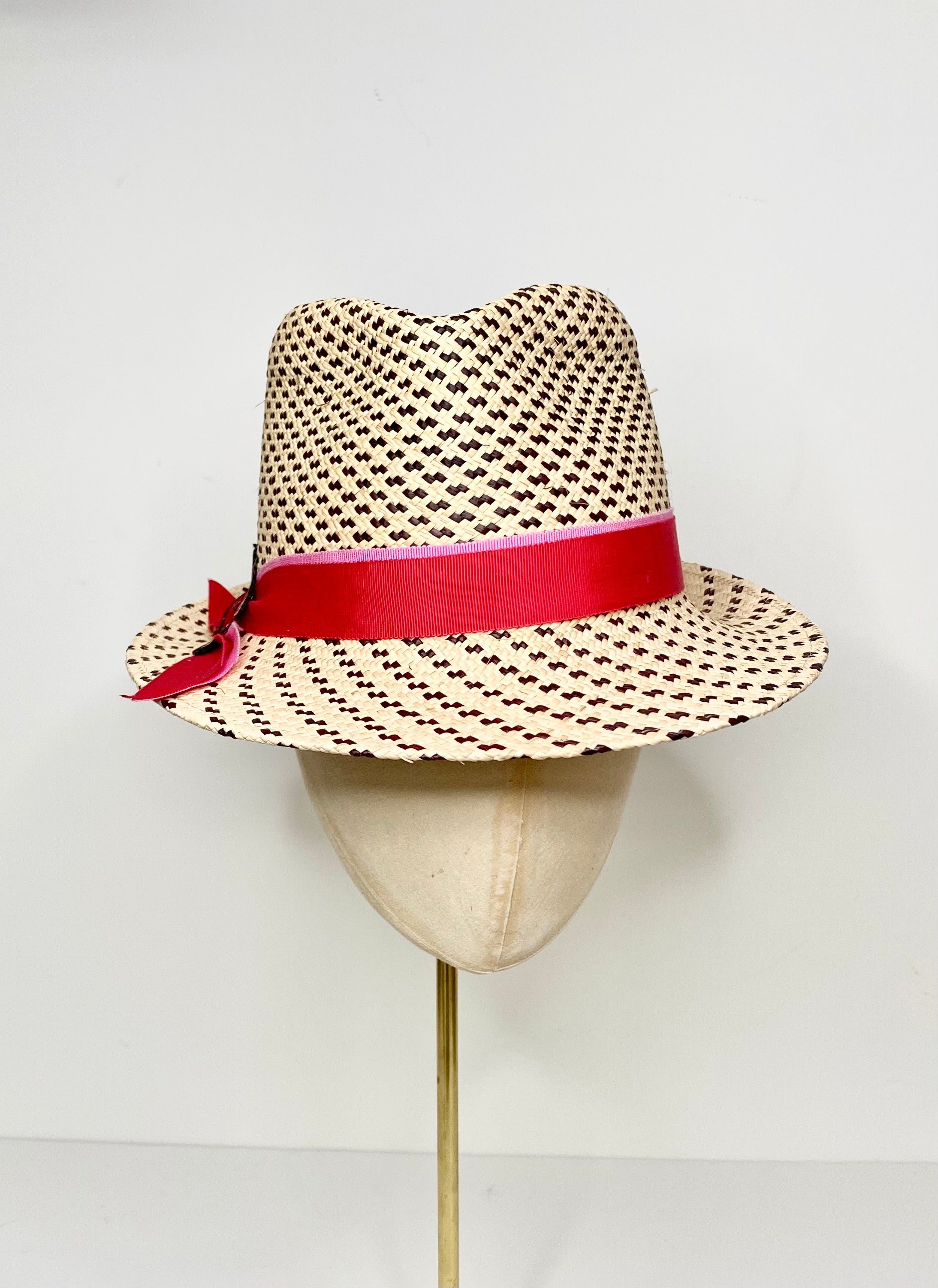 ivory and black speckled sun hat ladies with red and pink band
