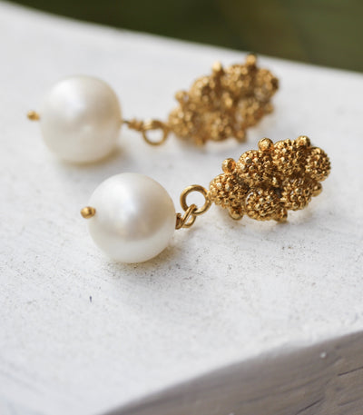 Estela Pearl Drop Earrings - 6 Rositas