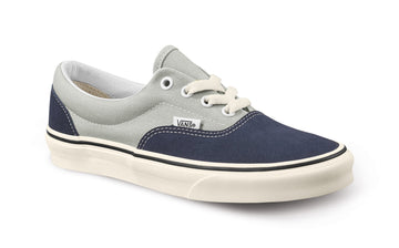 2022 Vans Era Snow Shoe in Navy and Marshmallow Kennedi Deck Color