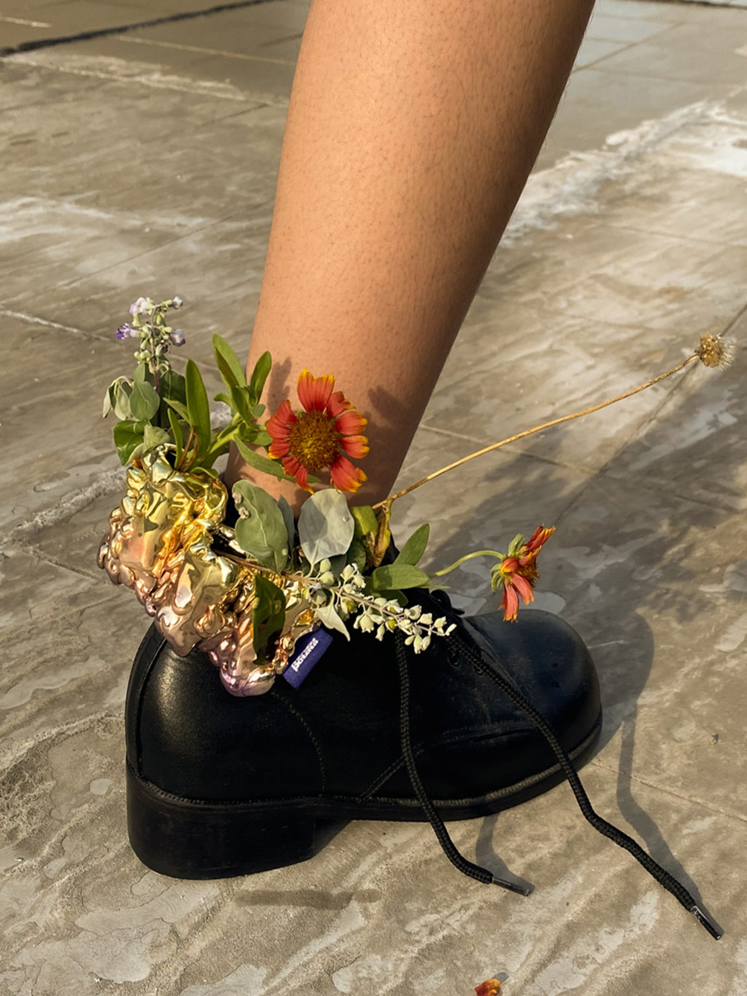 [ SWING PROJECT ] VASE ON YOUR SHOES
