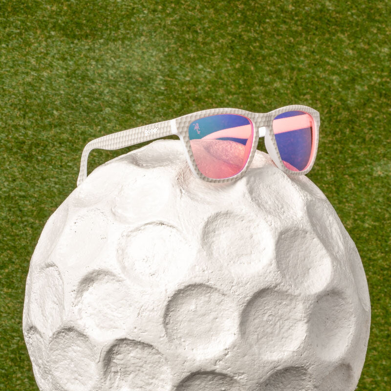 Birdies win tournaments, Flamingos win masters like this giant golf ball
