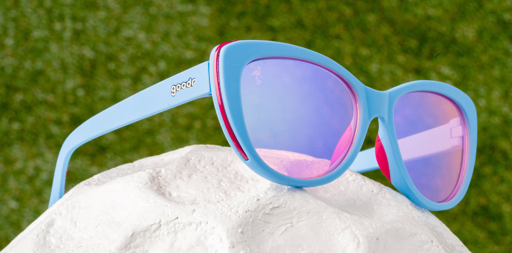 Chips and Sips-The Runways-GOLF goodr-3-goodr sunglasses