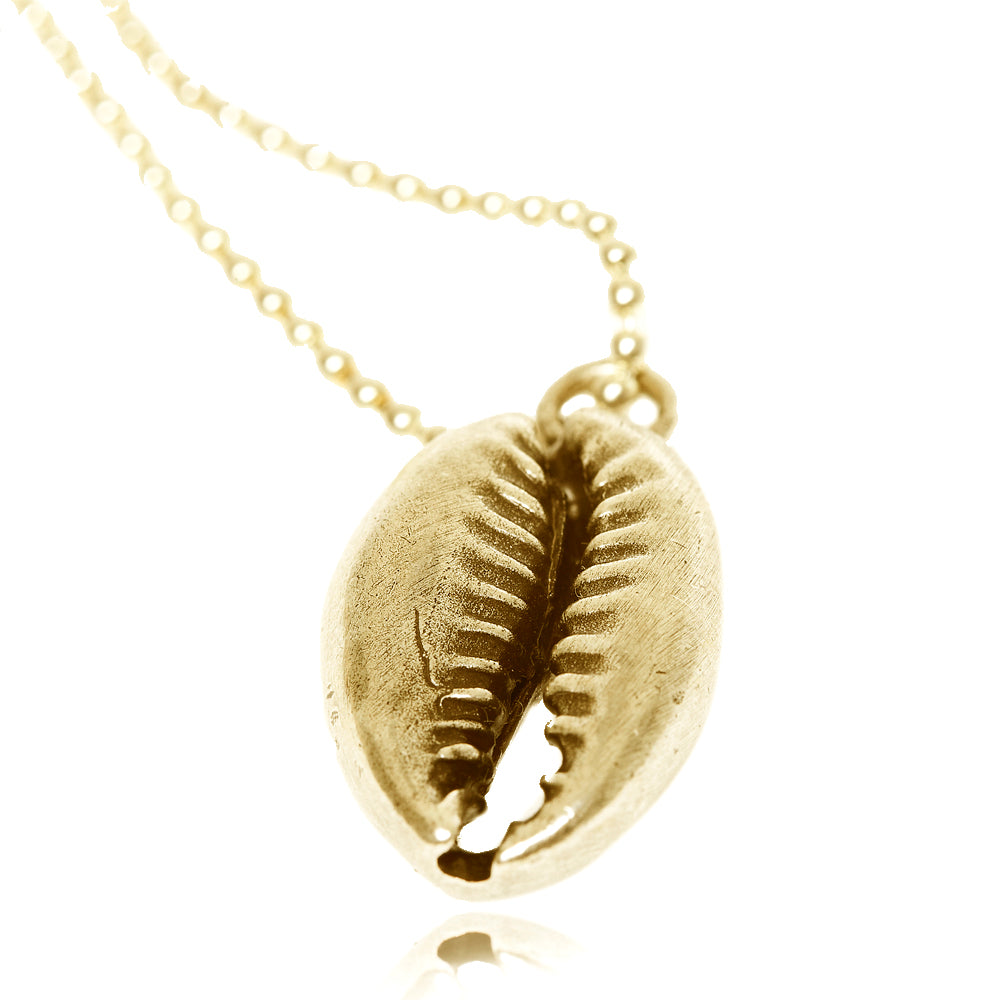Shell Pendant in gold