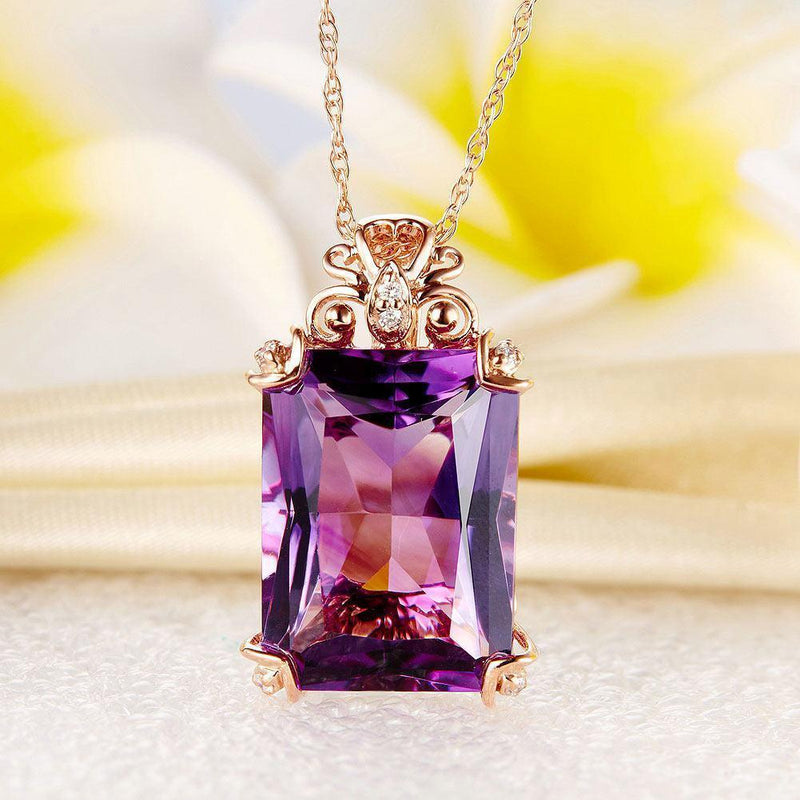 Amethyst Vintage-Style (10.5ct) Pendant in 14k Rose Gold with Diamonds (0.11ct) 14K Gold Pendants Oanthan