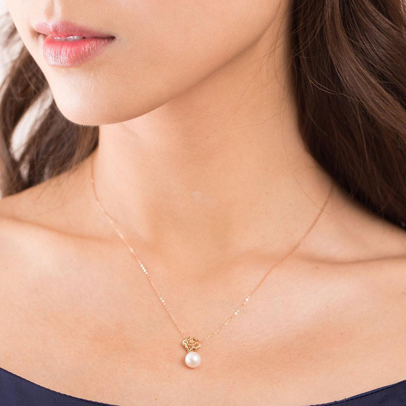 Pearl Flower Pendant in 18k Rose Gold 18K Gold Pendants Oanthan